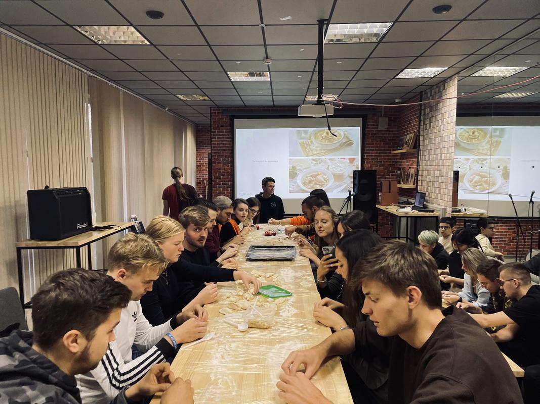 Мастер-класс от команды YESLAB для иностранных студентов