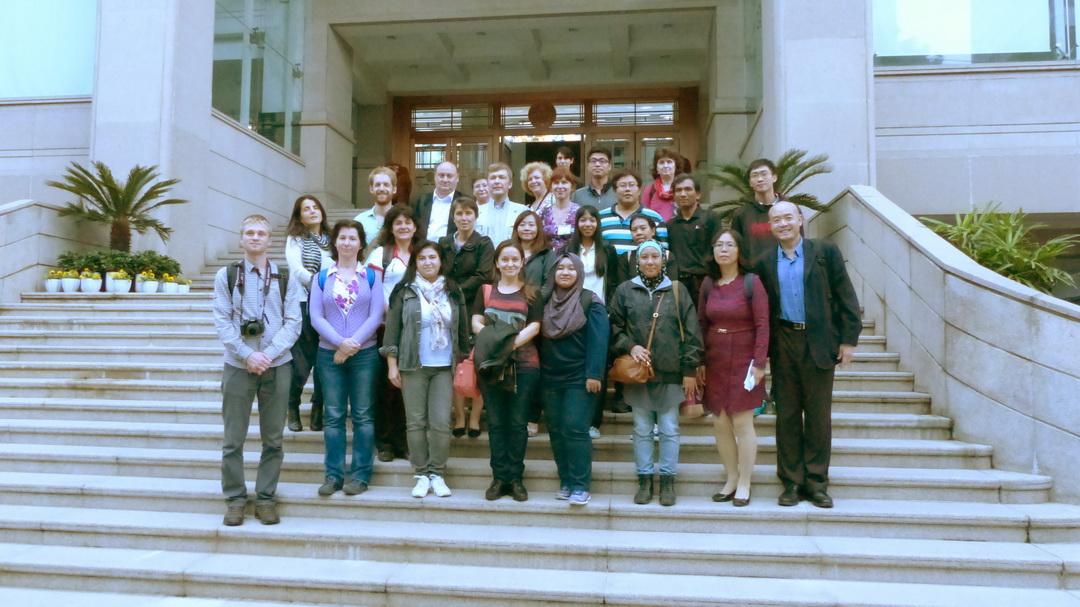 Визит  в Школу сельского хозяйства и биологии  Шанхайского  университета Тзяо Тун